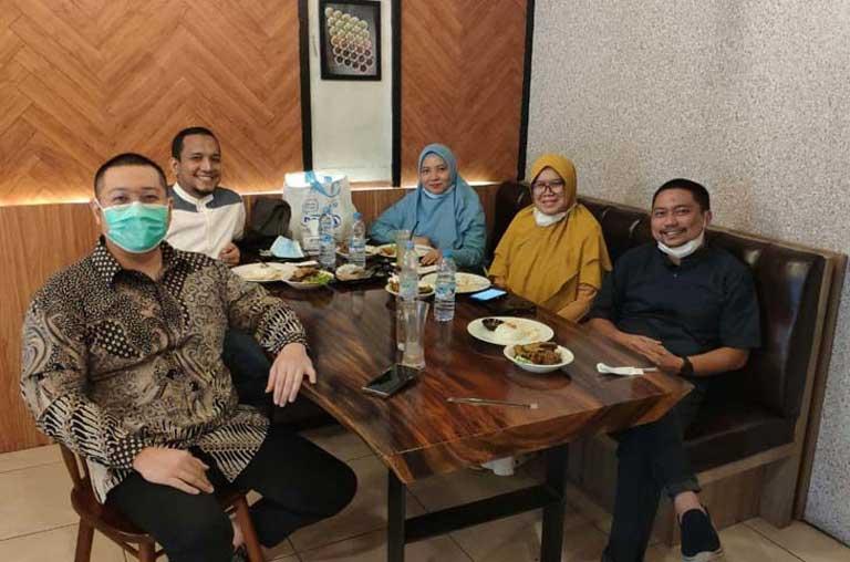 Makan Siang Bersama Palacheta Subianto